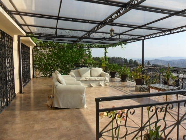 Location tr s belle villa f7 meubl e quip e avec une superbe vue sur tana situ e ambatobe - Tres belle cuisine equipee ...