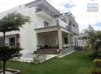 Grande villa de type F10, Ambohijanahhary