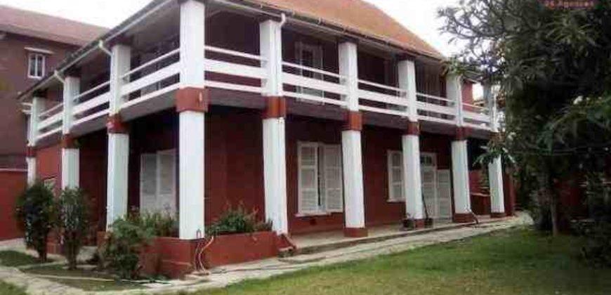 Villa à étage F7 rénovée, Faravohitra