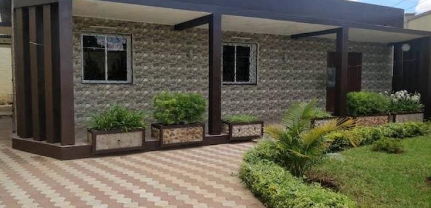 Villa neuve de type F4, Ambohidratrimo