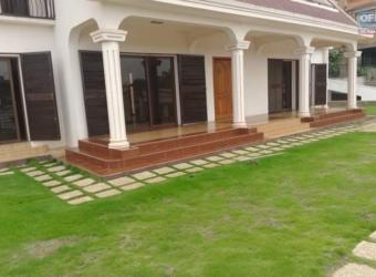Villa située en bord de route, Andrainarivo