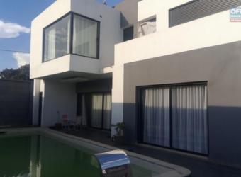 Villa moderne avec piscine, Ambodivoanjo Ivandry