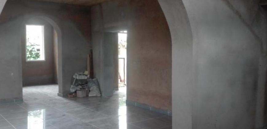 Grande maison en cours de finition, Ambohitrarahaba
